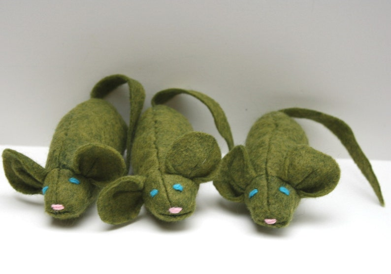 Catnip Mouse Cat Toy  Sage The Mouse wool catnip toy image 0