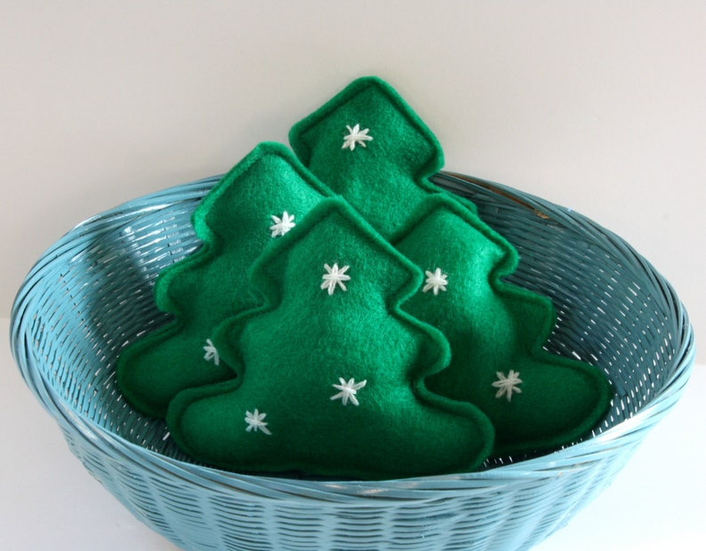 Cat Toy  Catnip O' Christmas Tree felt toy Christmas cat image 0