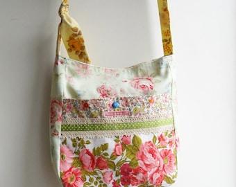 Messenger Bag in Vintage Fabric