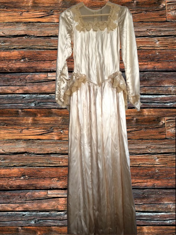 Classic 1930's cream satin wedding dress