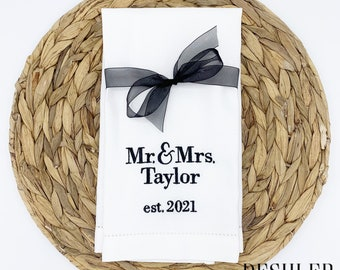 Wedding Tea Towel, Personalized tea towel, Wedding gift, newlywed gift, personalized wedding gift, newlyweds gift, small wedding gift