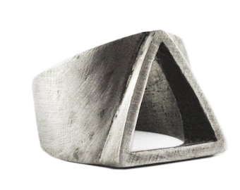 Mens Signet Ring Engraved - Silver Triangle Ring - Geometric Ring Man - Mens Ring - Triangle Ring Man - Man Unique Ring