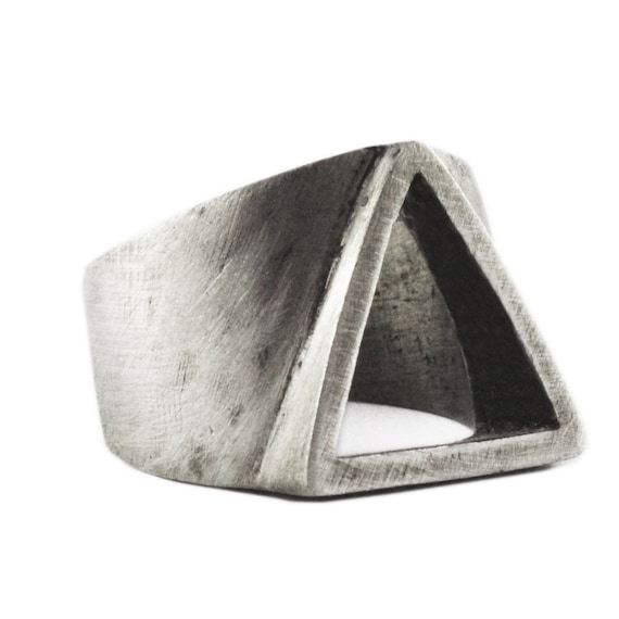 bague homme triangle