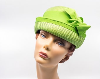 VINTAGE Jean Arlett Green Straw Hat