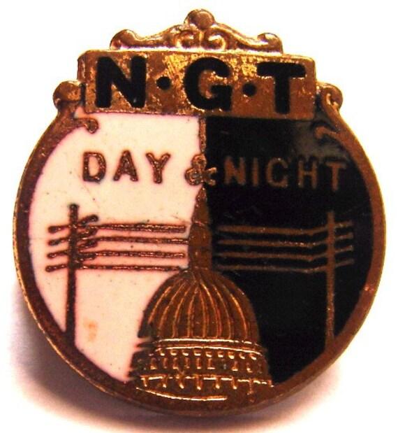 Vintage Enamel Trustee Badge