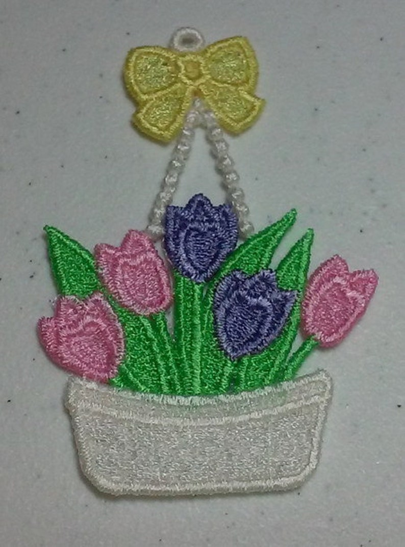 Lace Basket with flowers ornament