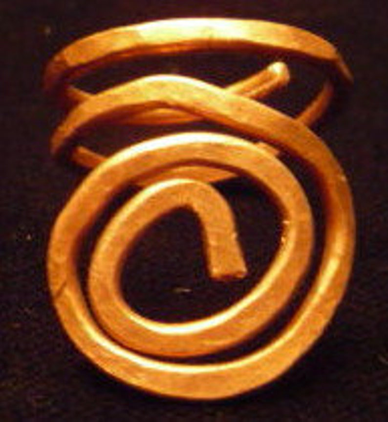 Hammered Copper Swirl Ring  2 Size 9.5 image 0