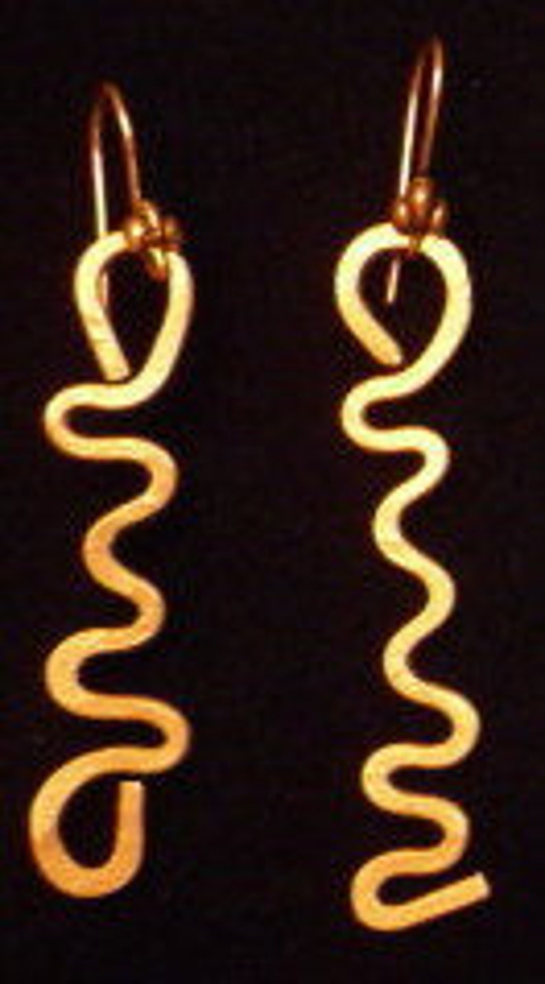 Hammered Copper Earrings Curvy 2 image 0