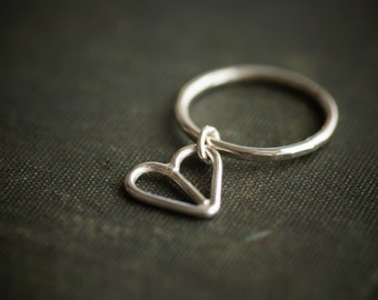 Dangling Heart Ring - Sterling Silver