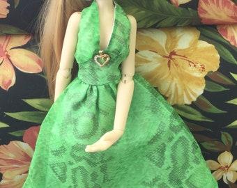 Pretty green halter dress for Kaye Wiggs bjd Toni