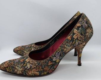 Vintage 1960's Tapestry Floral Pumps, Shoes, Women's Vintage Shoes by Pauzzio, 8AA, Rockabilly Pin Up Floral Tapestry Shoes
