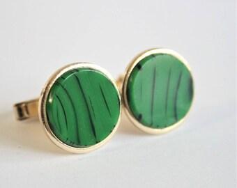 Vintage green cufflinks.  Green glass cufflinks. Mens accessories