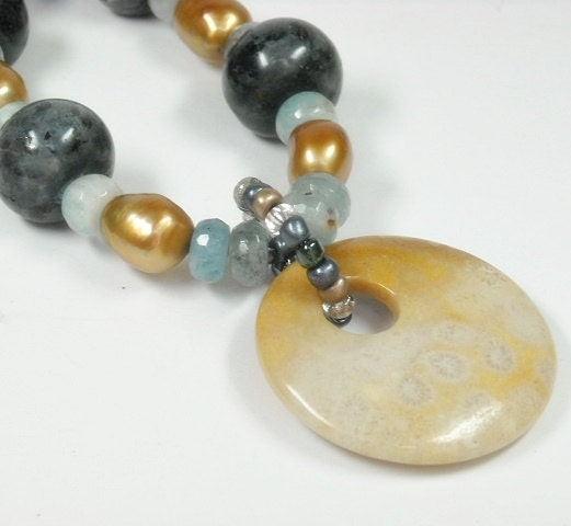 Sale|,Statement,Necklace,,Black,Labradorite,,Aquamarine,,Bronze,Freshwater,Pearls,,Fossil,Coral,Pendant,,Chunky,,Gemstone,One,of,a,Jewelry,Necklace,Labradorite_Necklace,Black_Labradorite,Gold_Pearl,Freshwater_Pearl,Pearl_Necklace,Aquamarine_Necklace,June_Birthstone,March_Birthstone,Super_Chunky,Mystical,Chunky_Necklace,Art_Deco_Jewelry,Fossil_Coral,20mm black Labradorite rondelles,10