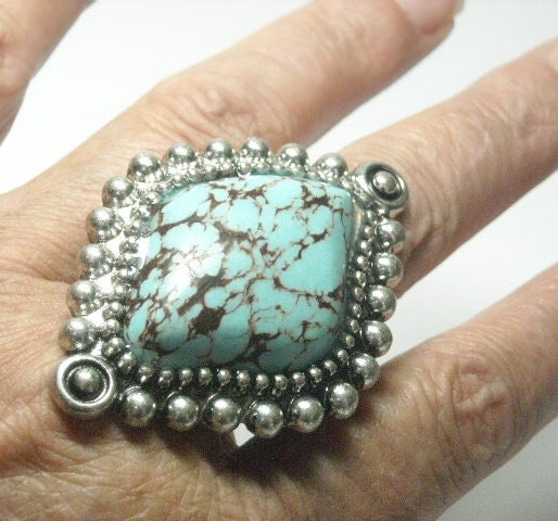 Turquoise,Ring,-,Southwest,Long,Stretch,Adjustable,Country,Western,Cowgirl,Statement,Boho,Jewelry,Turquoise_Ring,Turquoise_Cabochon,Western_Ring,Western_Jewelry,Long_ring,turquoise_jewelry,boho_bohemian,adjustable_ring,stretch_ring,statement_ring,chunky_ring,silver plate,magnesite cabochon