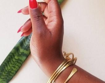Gold bangle bracelet//Adjustable brass cuffs//hammered gold bracelet