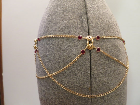Egyptian Revival Disco Gold Chain Belt Red Rhinestone Bezels Coiled Snake  Links Adjustable w/ Open Chain Swags 30-35 inches