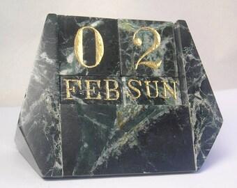 A Vintage Modern High Class Green Marble Desk Calendar A4
