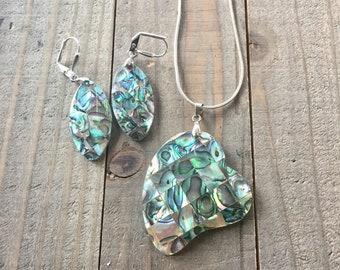 Abalone Shell Pendant and Earrings| Abalone Necklace| Abalone Earrings| Abalone Jewelry| Paua Shell Jewelry| Shell Jewelry| Blue green jewel