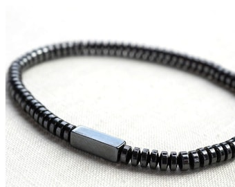 ON VACATION, Modern Minimal Bracelet Thin Magnetic Hematite Bracelet Docking Station Fashion Men Tech Natural Stone Techie Men