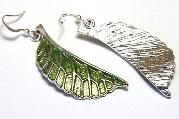 Green dangle earring Green leaf earrings Mothers day gift for mom Boho jewelry Botanical earrings Bronze jewelry Nature earrings Bohemian