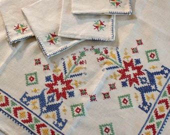 Vintage Scandinavian Style Embroidered Linen Luncheon Tablecloth with 4 Napkins Unused