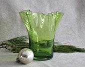 Vintage Blown Flared Green Blenko Style Handkerchief Mid-Century Art Glass Vase