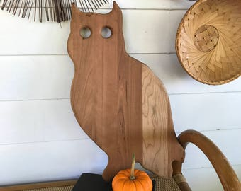 Handmade Owl Cutting Board . Farmhouse Fresh . Country Charm .