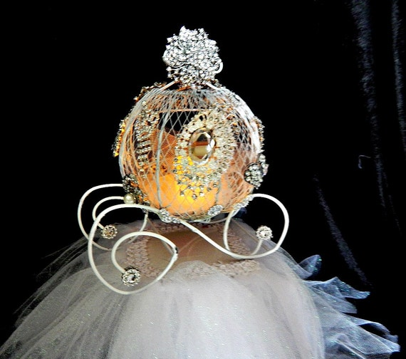 Decorated Iron Cinderella Carriage Quinceanera Cake Topper Center Piece