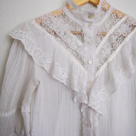Jessica's Gunnies Vintage Blouse with three quart… - image 2