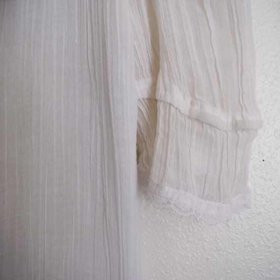 Jessica's Gunnies Vintage Blouse with three quart… - image 4