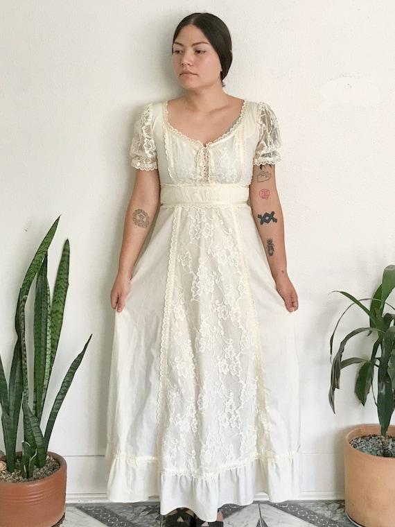 Gunne Sax Style Linen and Lace Prairie Dress