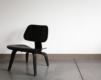 Sold *** Authentic Early Eames for Herman Miller Ebony LCW