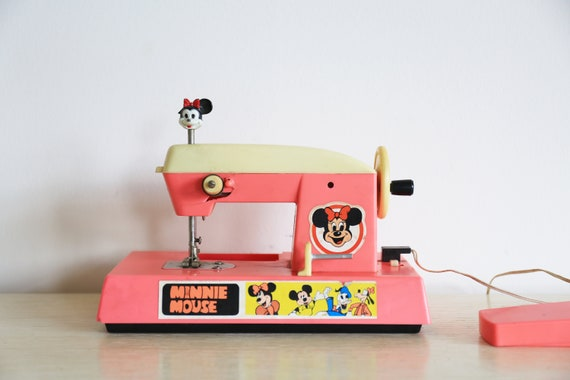 Rare, vintage minnie mouse sewing machine toy