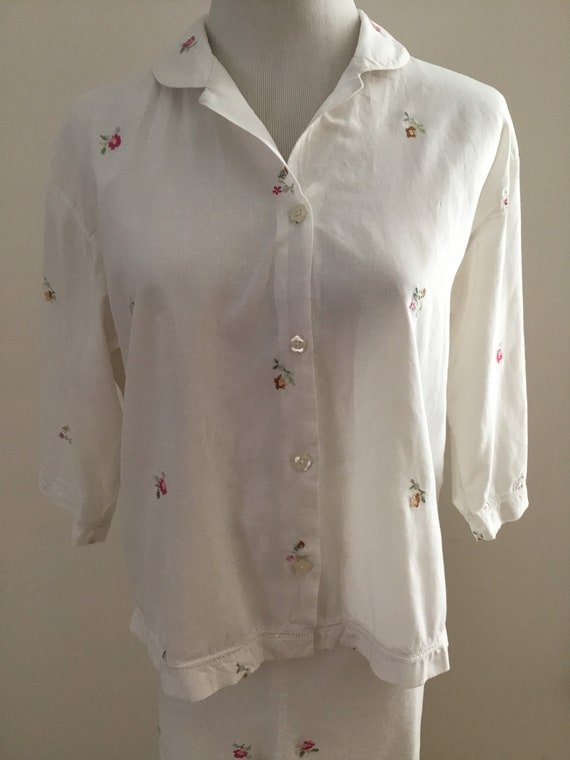 Vintage cotton lawn pajama set with embroidered fl