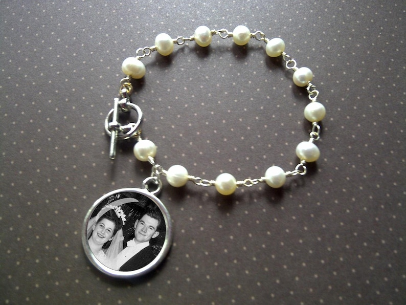Photo Jewelry  Bracelet  Freshwater Pearls with Circle Photo image 0