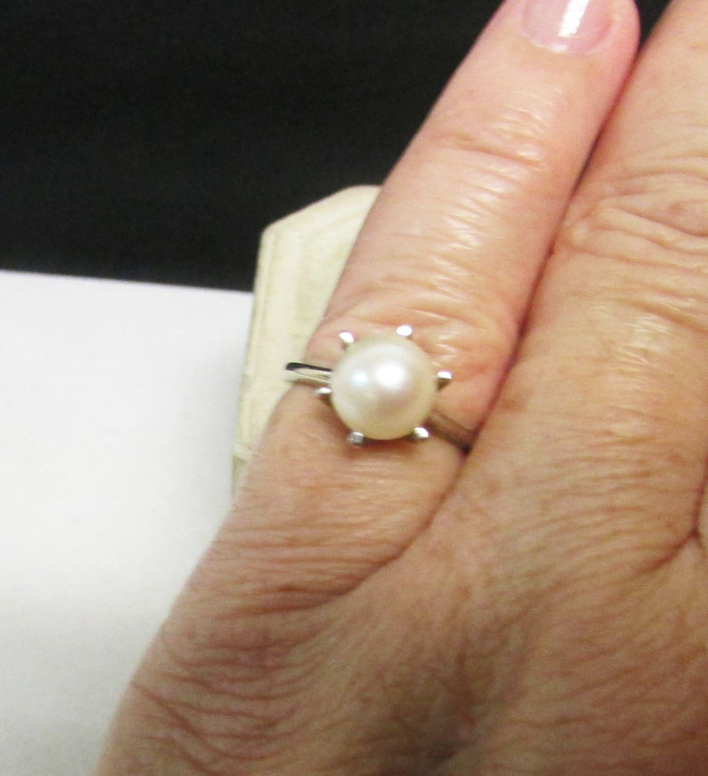 On Sale Vintage Estate 14K White Gold 6 Prong  Lustrous White with Pink Tone Pearl Ring