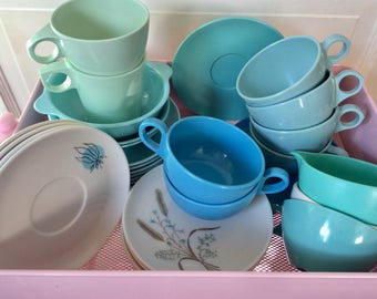 Vintage Mid-Century MELAMINE Texasware Mallo-Ware Windsor Melmac Lustro Ware Prolon Ware Westinghouse Shades of TURQUOISE 31 Lot Collection