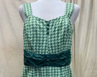 Vintage 1960's Swimsuit   60s 70s Green Houndstooth Pin Up Bathing Suit   One Piece Halter Swimsuit   60s Beachwear   60s Vacation Wear