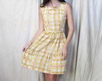 Vintage 1950s Gingham Summer Dress   50s Kitsch Dress   Yellow Dress Flower Pattern   Belted Dress   50s Cotton Dress with Pockets