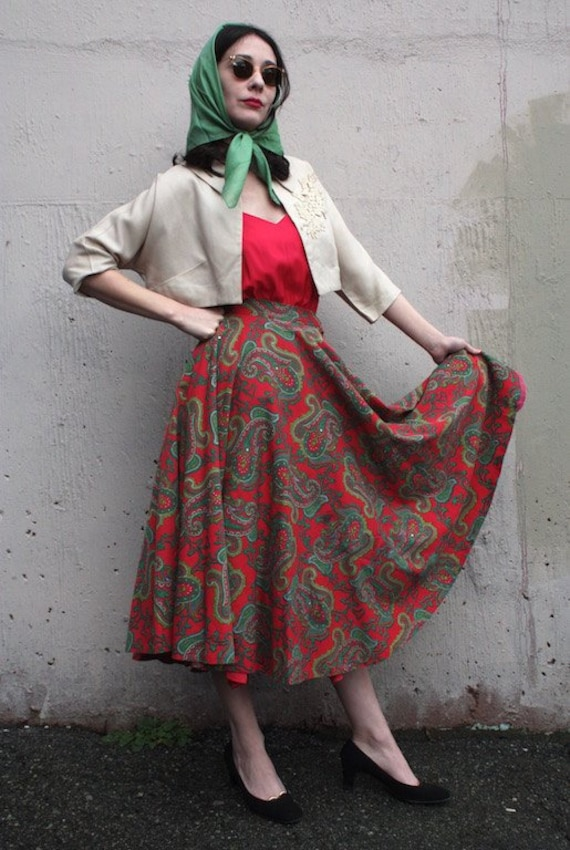Vintage 1950s Circle Skirt | 50s Red and Green Pai