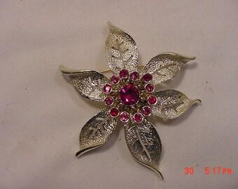Vintage Rhinestone Flower Blossom Brooch   16 - 686
