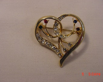 Vintage Rhinestone Heart Brooch   18 - 579