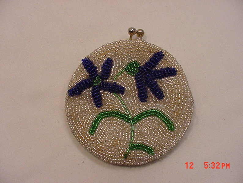 Vintage Glass Beads Change Purse With Flowers   16-804