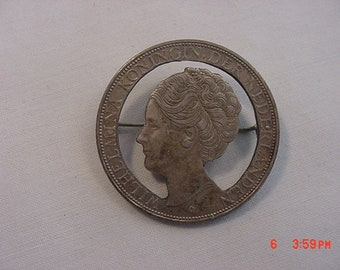 Vintage Coin Brooch Wilhelmina Koningin Der Nederlanden Solid