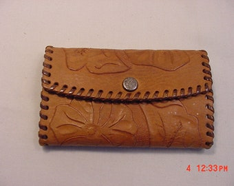 Vintage Hand Tooled Leather Change Purse  18 - 1184