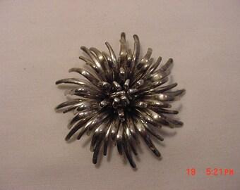 Vintage Flower Blossom Brooch  18 - 725