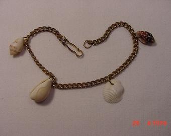 Vintage Real Seashell Bracelet   16 - 342
