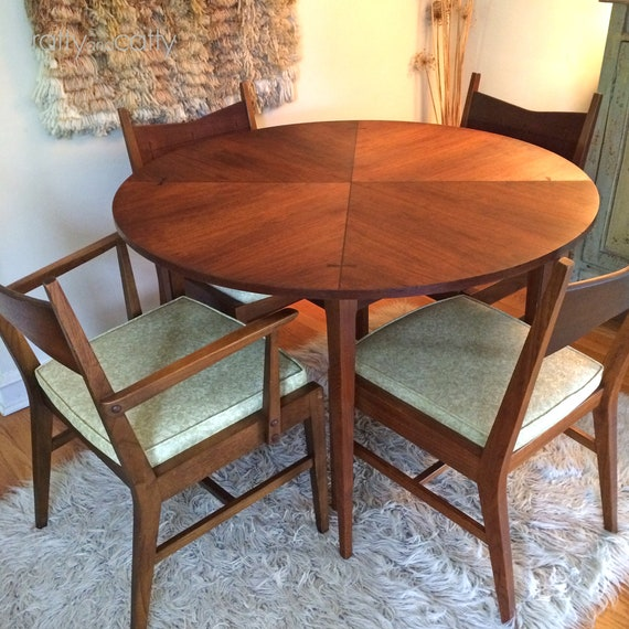 Phenomenal Mid Century Modern Lane Tuxedo Table And Chairs Local Pickup Only Bralicious Painted Fabric Chair Ideas Braliciousco