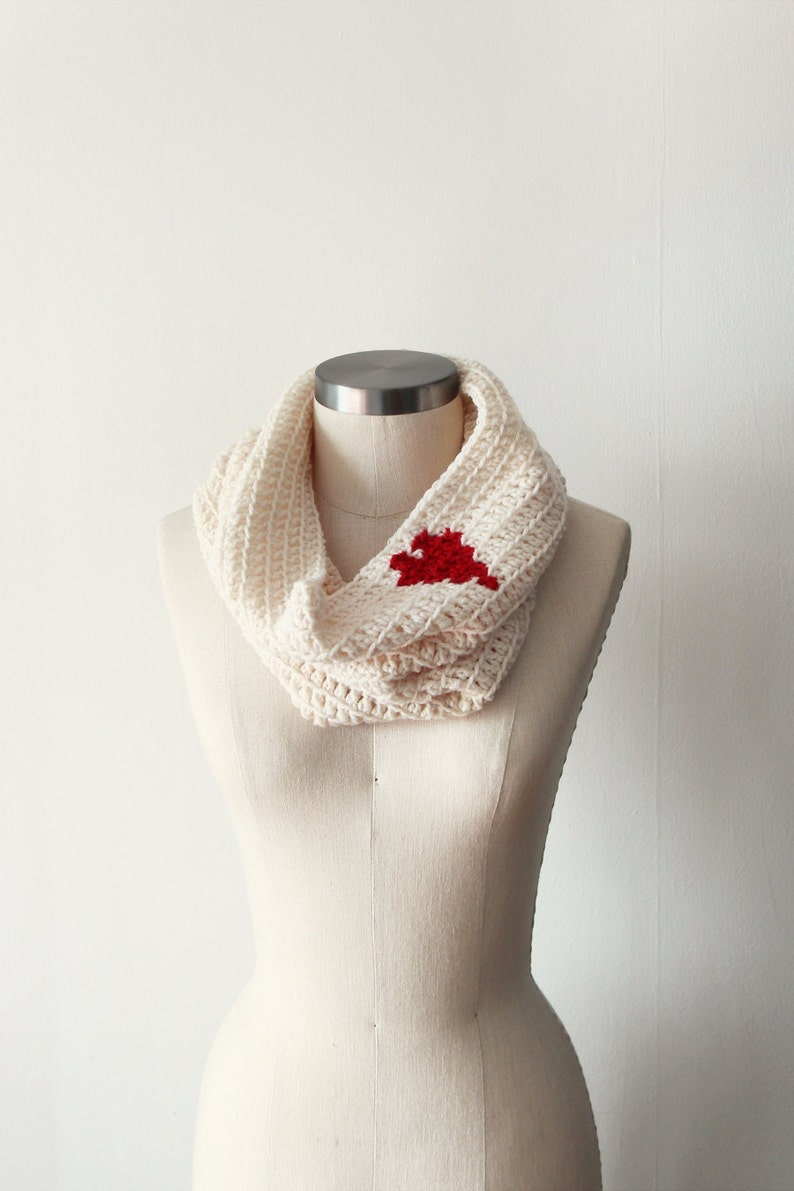 Cozy Cowl in Cream Heart image 0