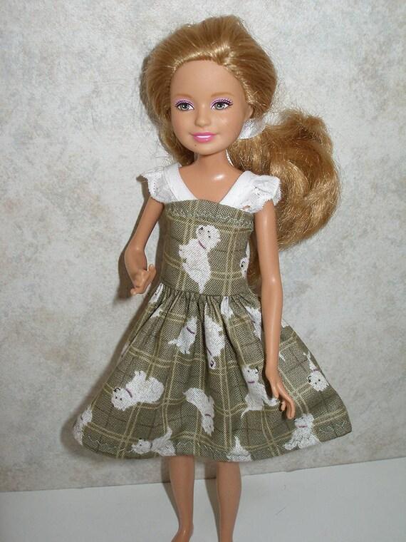Poupée à la main de mode de vêtements pour Barbie et ses soeurs , 4 mode  poupée